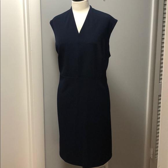 MM Lafleur Dresses & Skirts - Beautifully cut, classic sheath dress in navy